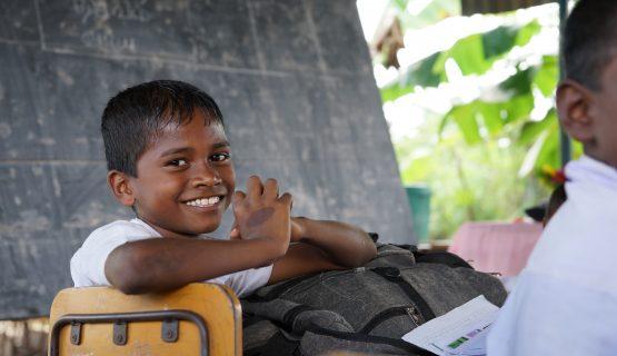 SriLanka_HelpingHands_2015